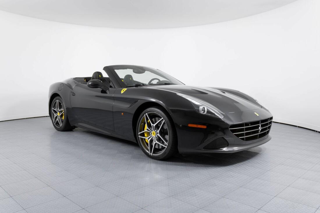 2017 Ferrari  California T image _614d77df0970c0.58153582.jpg