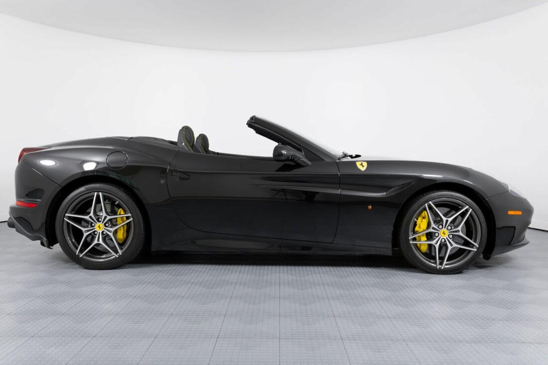2017 Ferrari  California T image _614d77e24426d3.49815321.jpg