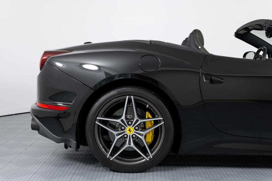 2017 Ferrari  California T image _614d77e31d6009.45868174.jpg