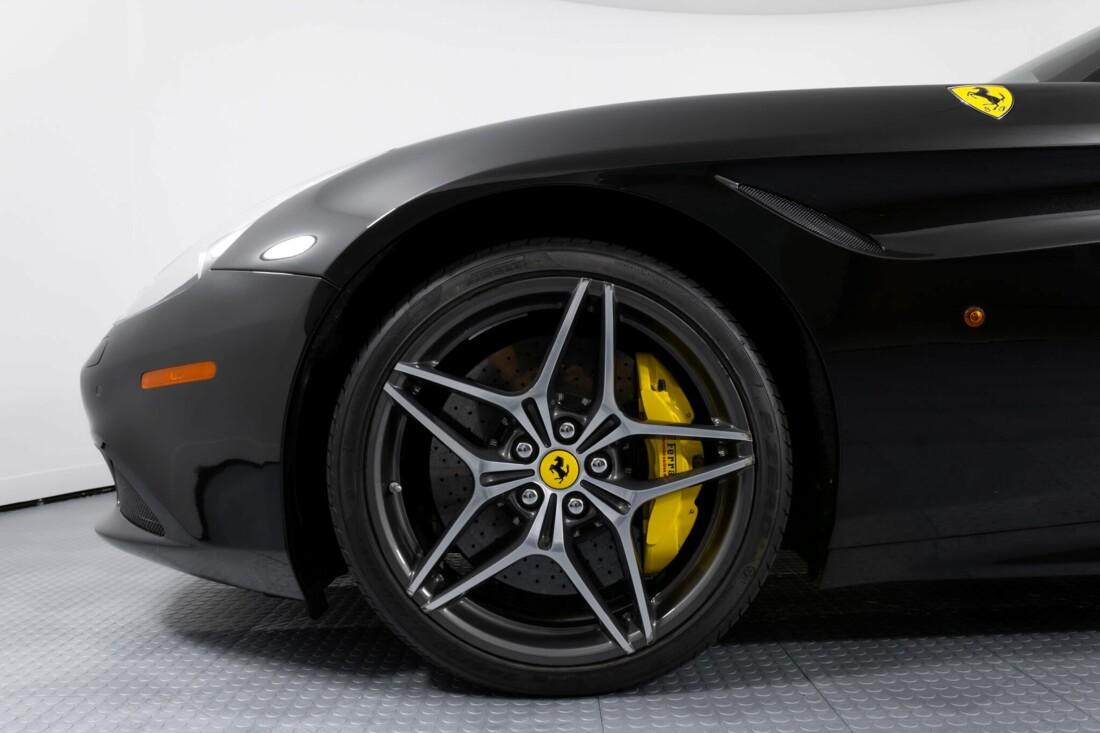 2017 Ferrari  California T image _614d77e57205f1.13316777.jpg