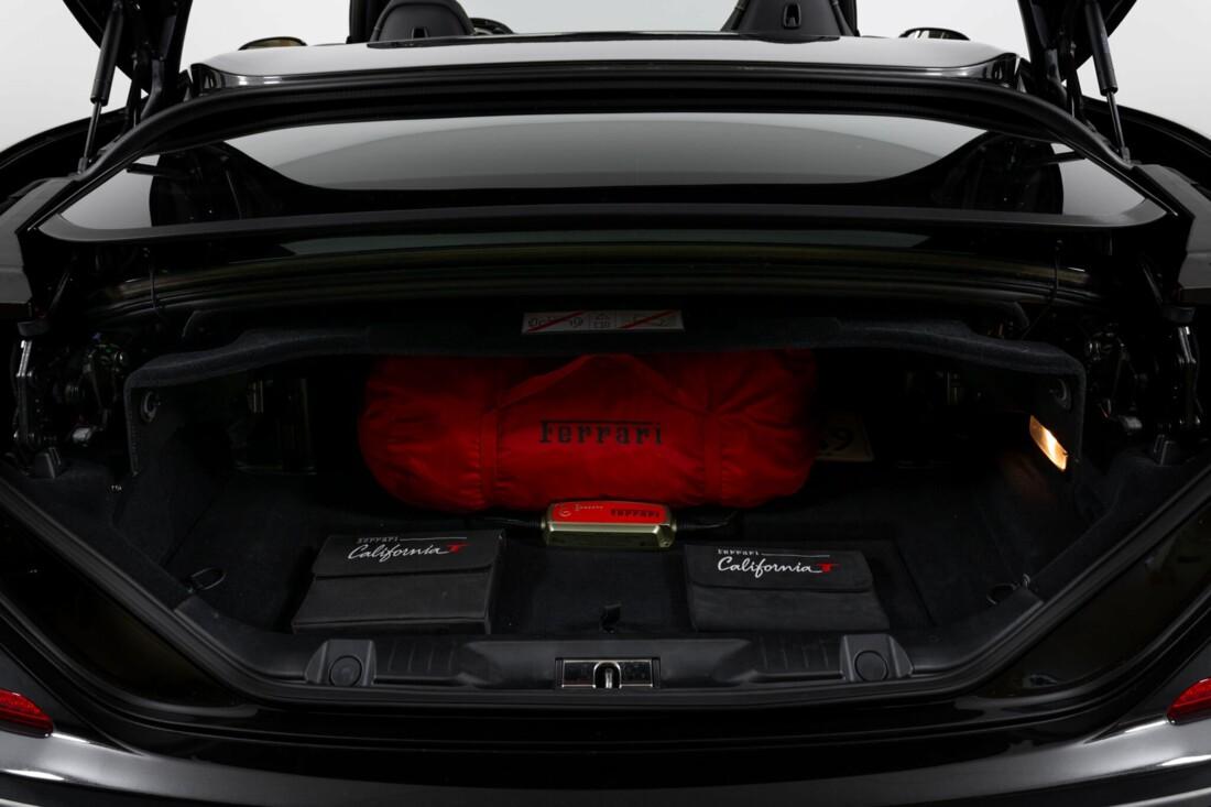 2017 Ferrari  California T image _614d77eba16171.87695748.jpg