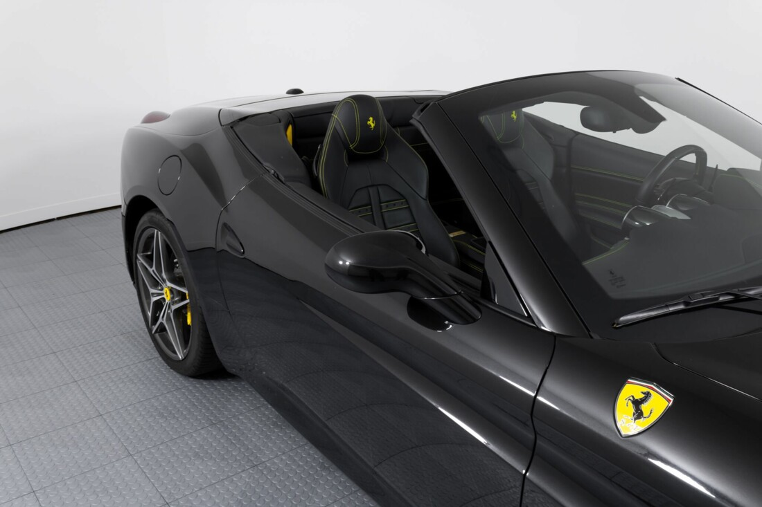 2017 Ferrari  California T image _614d77fc745f07.42921248.jpg