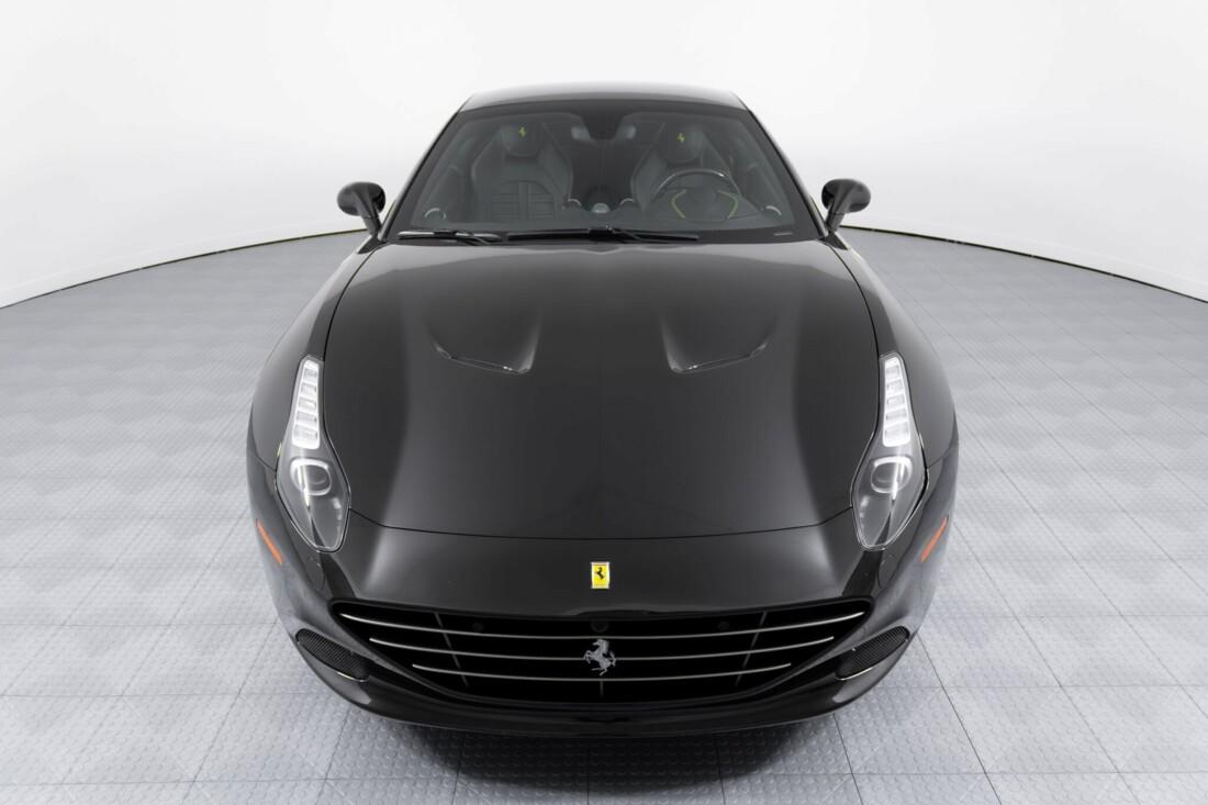 2017 Ferrari  California T image _614d77fd3a81f4.46651860.jpg