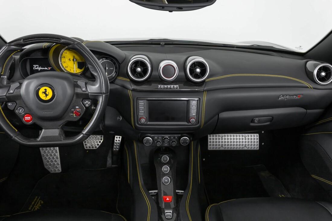 2017 Ferrari  California T image _614d780bb73862.82369805.jpg