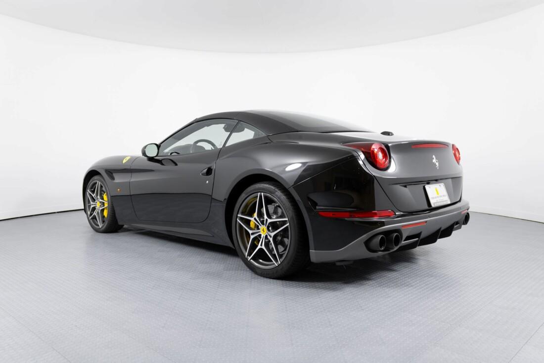 2017 Ferrari  California T image _614d78184575d9.01438653.jpg