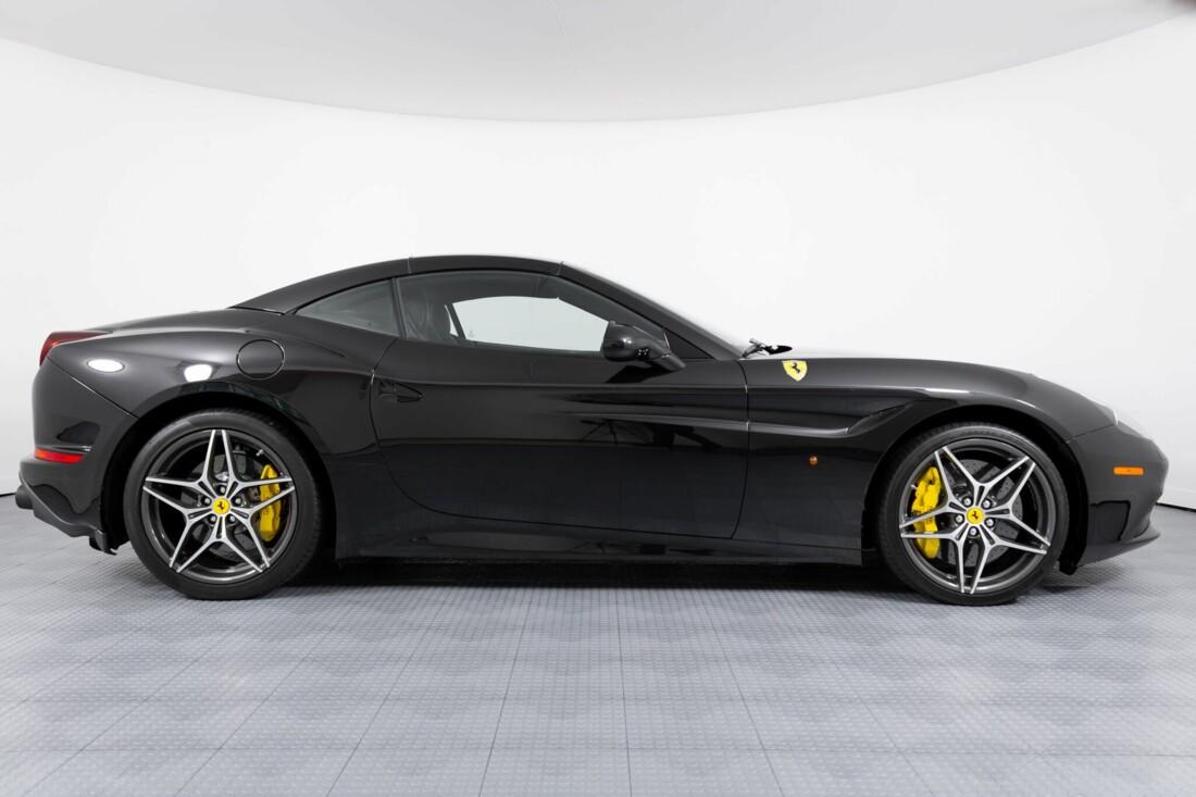 2017 Ferrari  California T image _614d78213a5e85.38526159.jpg