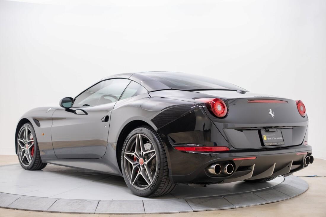 2016 Ferrari  California T image _614d782f22b343.09051289.jpg