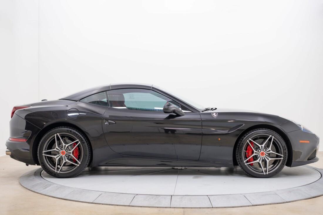 2016 Ferrari  California T image _614d7837b3de87.76212054.jpg