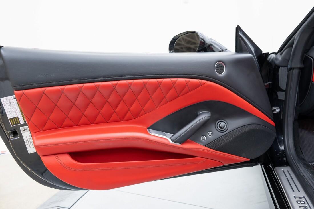 2016 Ferrari  California T image _614d783b485d08.42968000.jpg