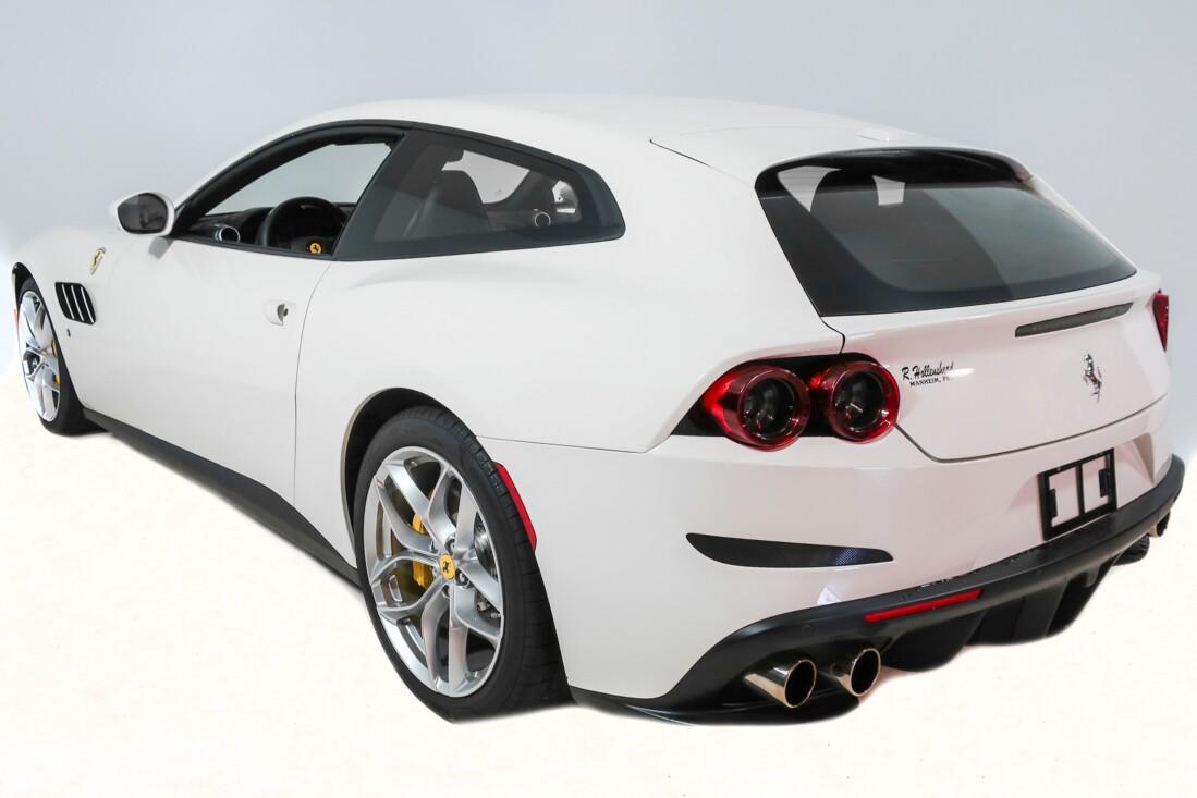 2020 Ferrari GTC4Lusso T image _614ec90a30fe54.75519963.jpg