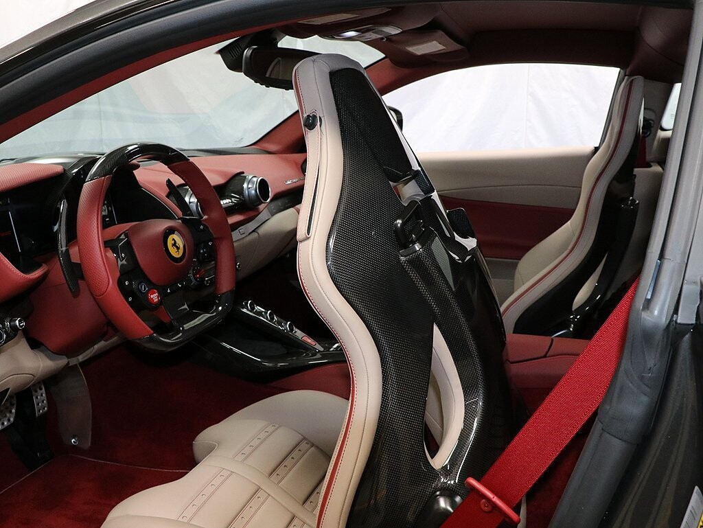 2019 Ferrari 812 Superfast image _614ec9a2cf34f9.86134944.jpg