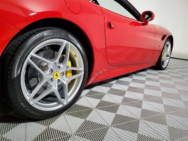 2015 Ferrari  California T image _614ec9bb8eedc1.05702087.jpg
