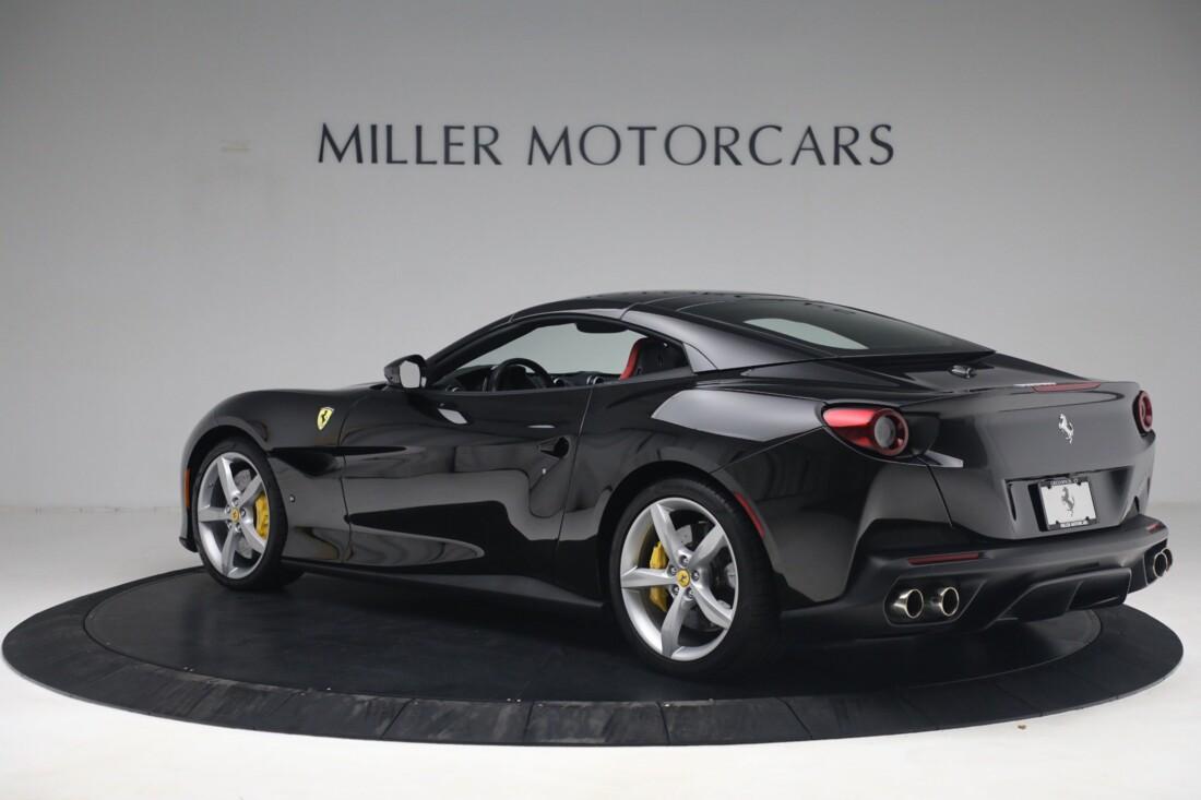 2019 Ferrari  Portofino image _614ecaa33f90f6.96078176.jpg