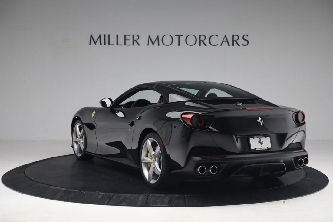 2019 Ferrari  Portofino image _614ecaa40cbfa4.45703477.jpg