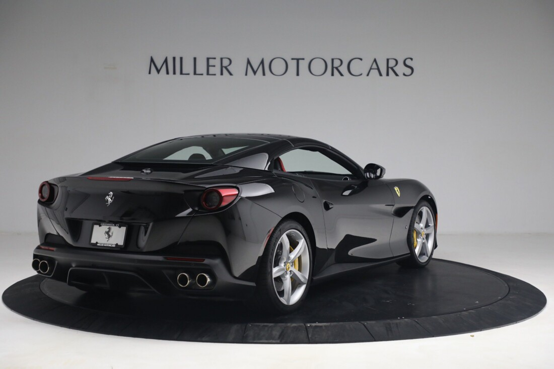 2019 Ferrari  Portofino image _614ecaa5b2d220.92032380.jpg