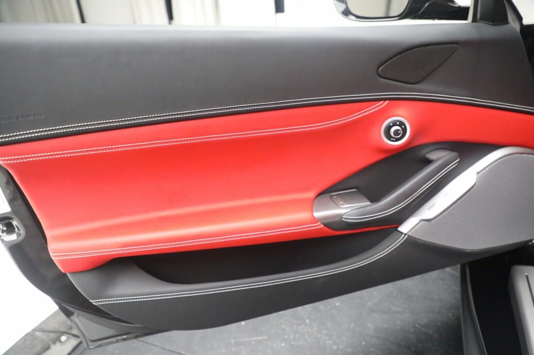 2019 Ferrari  Portofino image _614ecaad96ee18.77887738.jpg