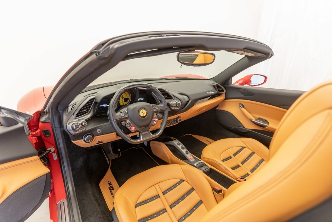2018 Ferrari 488 Spider image _61501a84957361.91290800.jpg