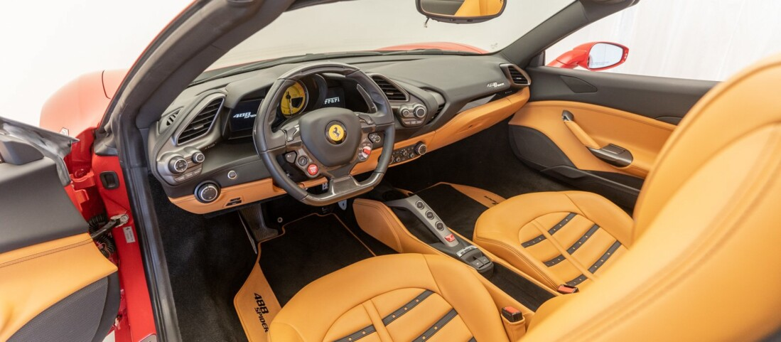 2018 Ferrari 488 Spider image _61501a92827352.67541345.jpg