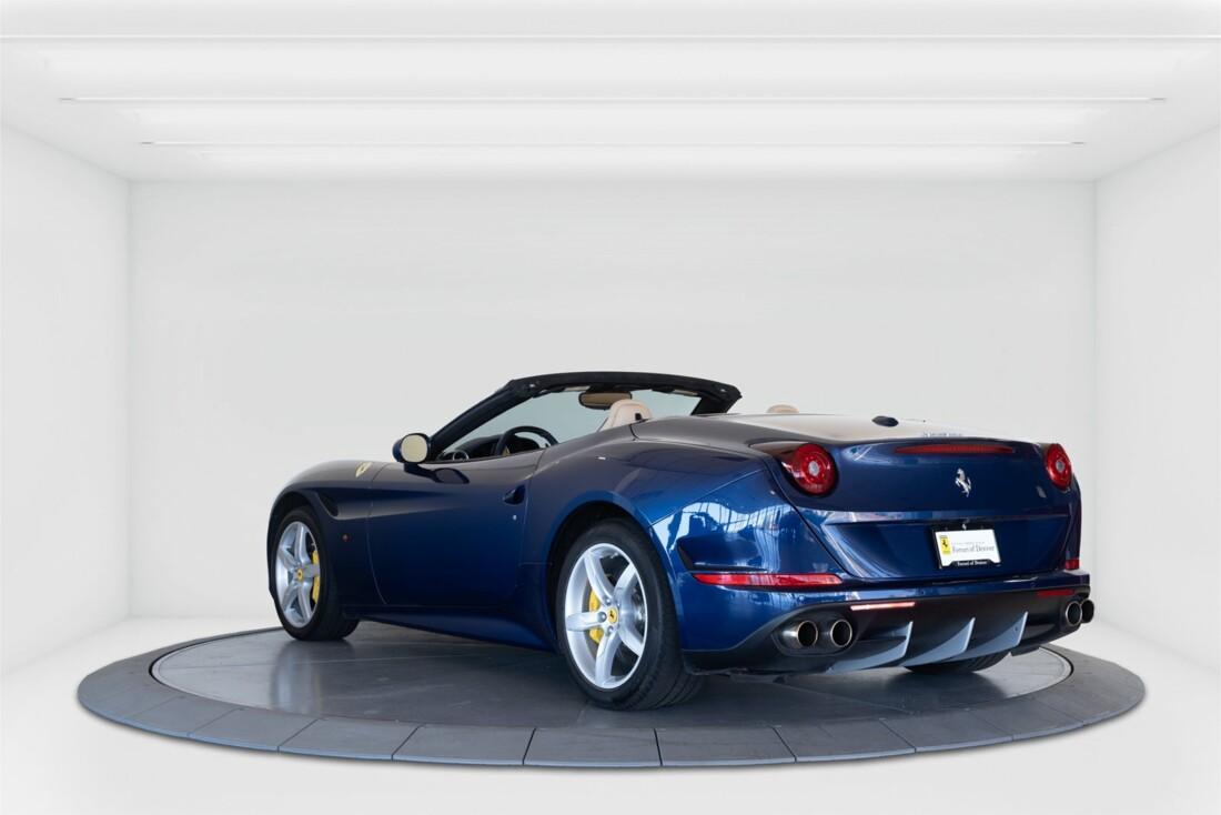 2015 Ferrari  California T image _61501a98e01a25.08117152.jpg