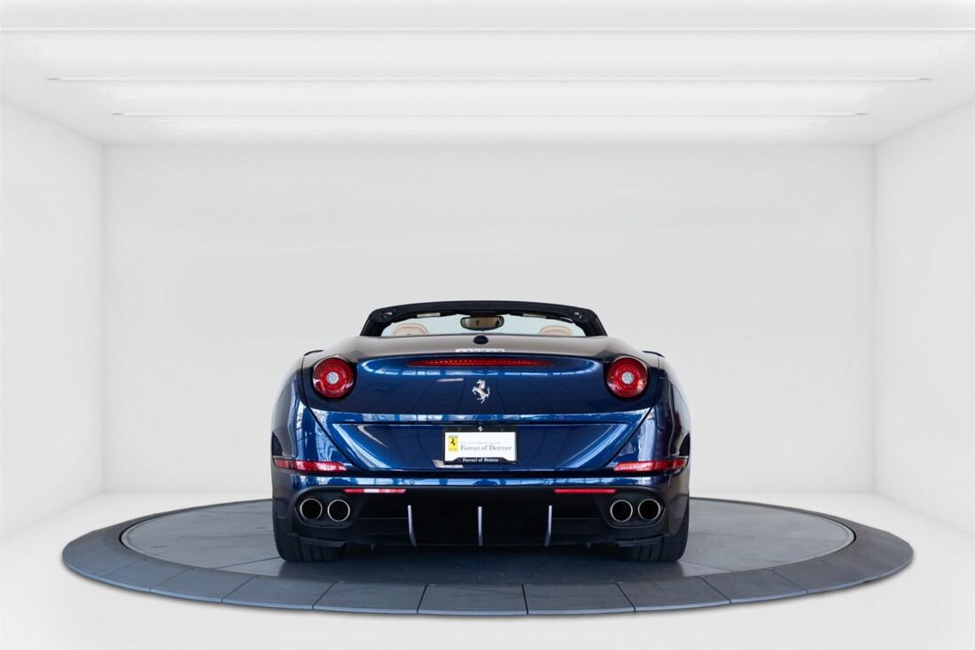 2015 Ferrari  California T image _61501a9a4d1c25.62475270.jpg