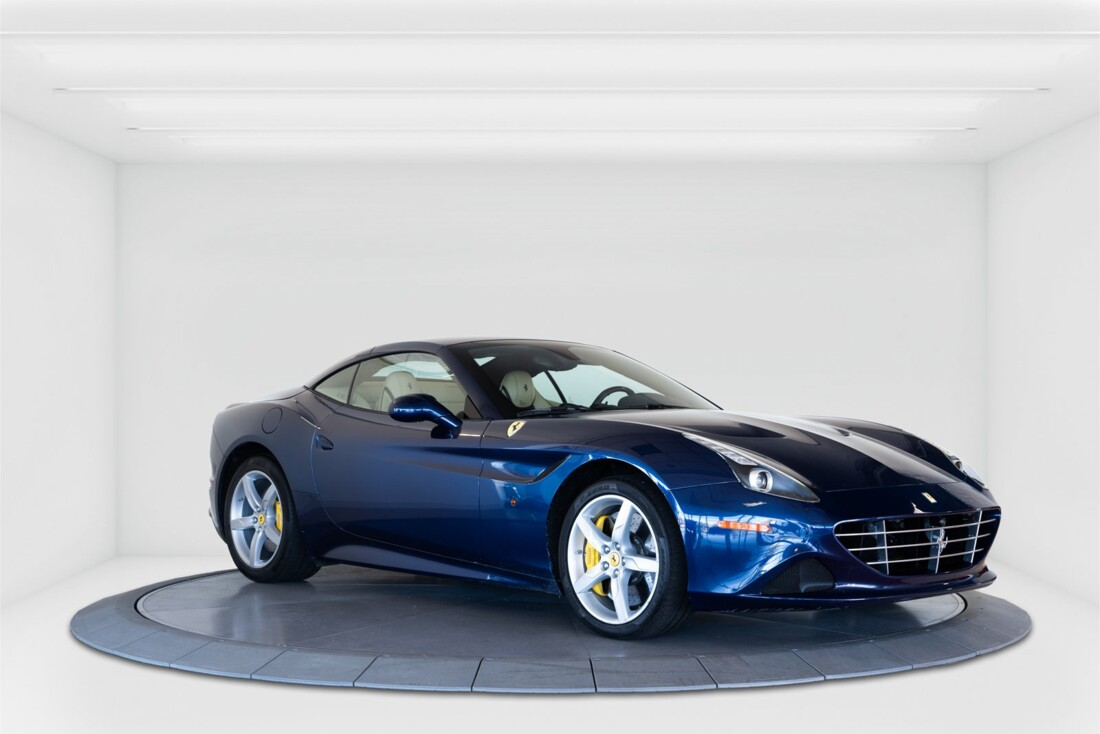 2015 Ferrari  California T image _61501a9c713602.24003379.jpg