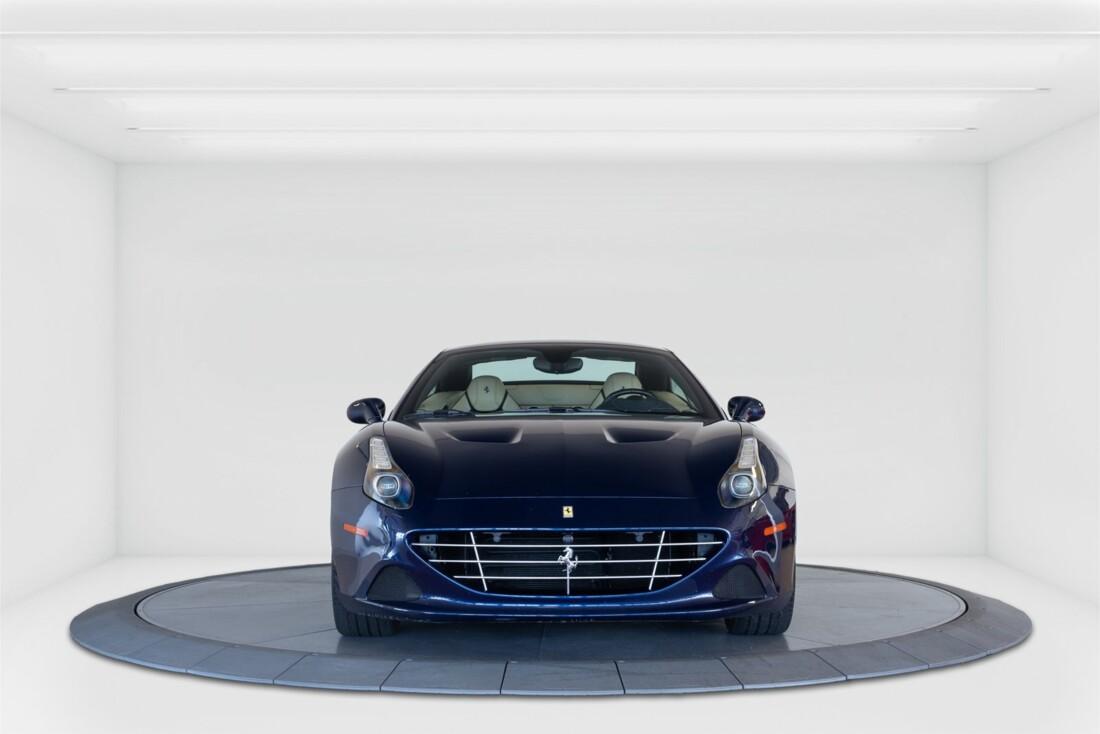 2015 Ferrari  California T image _61501a9d207644.56400226.jpg