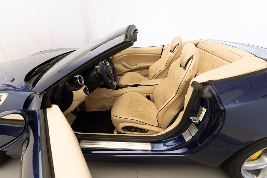 2015 Ferrari  California T image _61501a9e890176.36456986.jpg