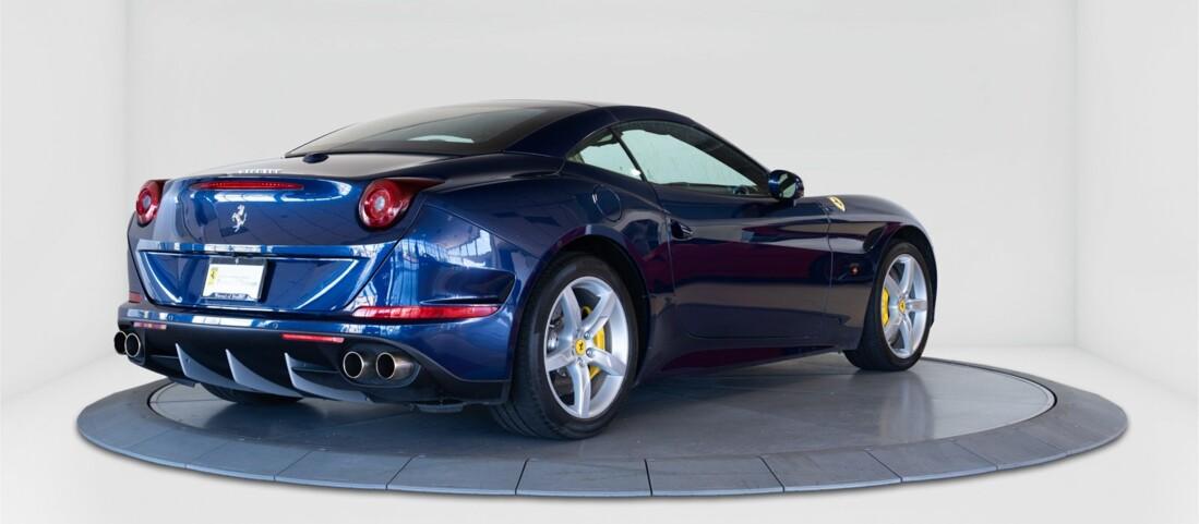 2015 Ferrari  California T image _61501aa95e62e7.65584181.jpg