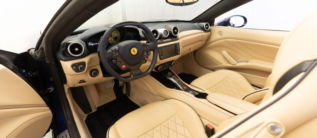 2015 Ferrari  California T image _61501aad73b0e4.29142520.jpg