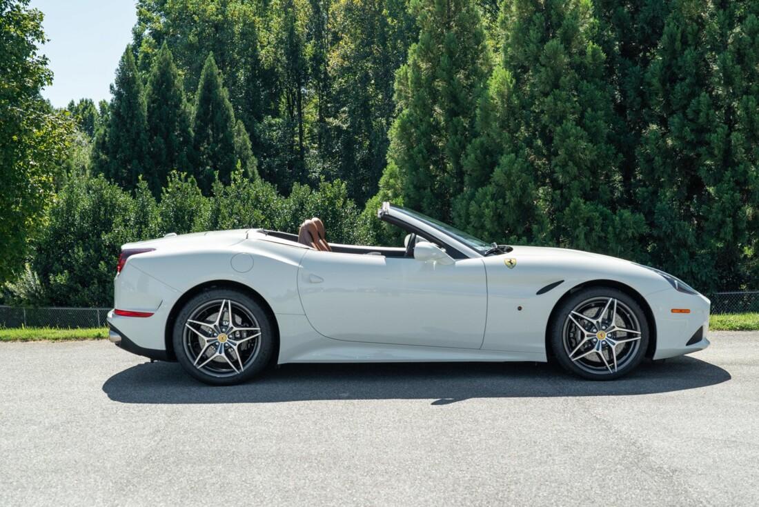 2016 Ferrari  California image _61501b512e61b6.55967757.jpg