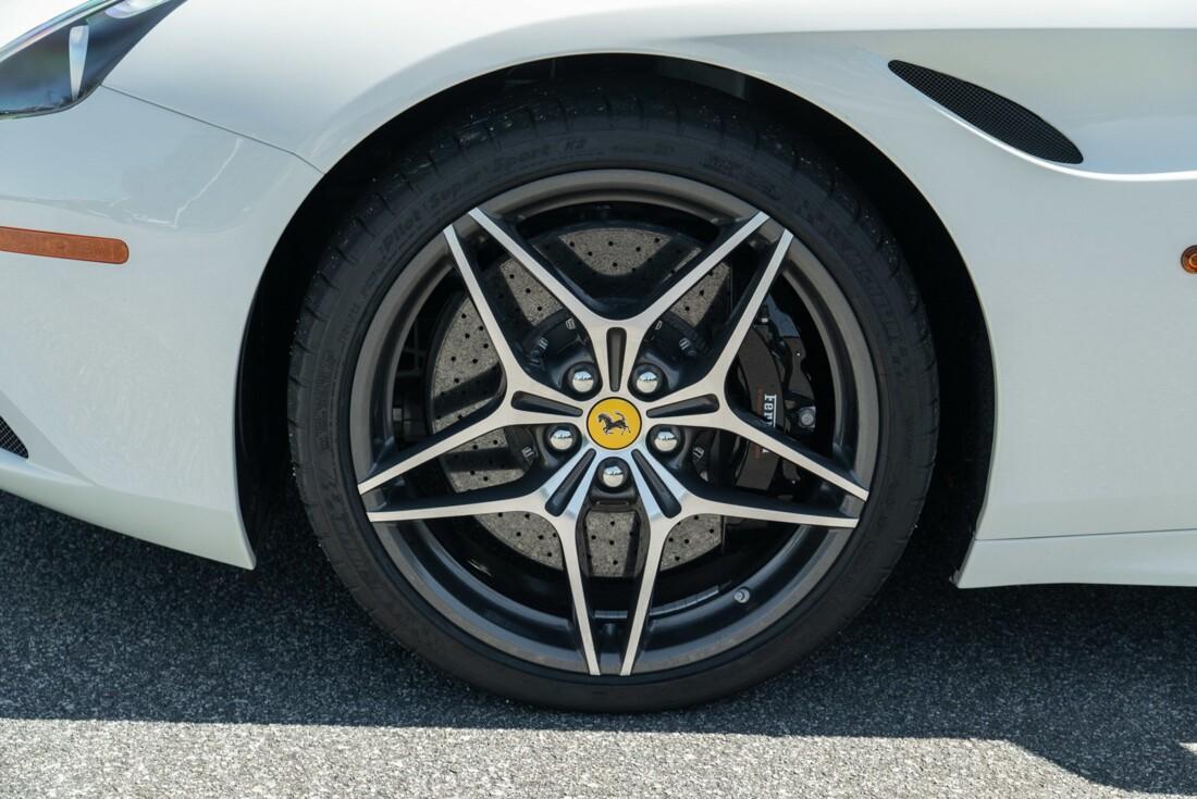 2016 Ferrari  California image _61501b56bbdca9.80295976.jpg