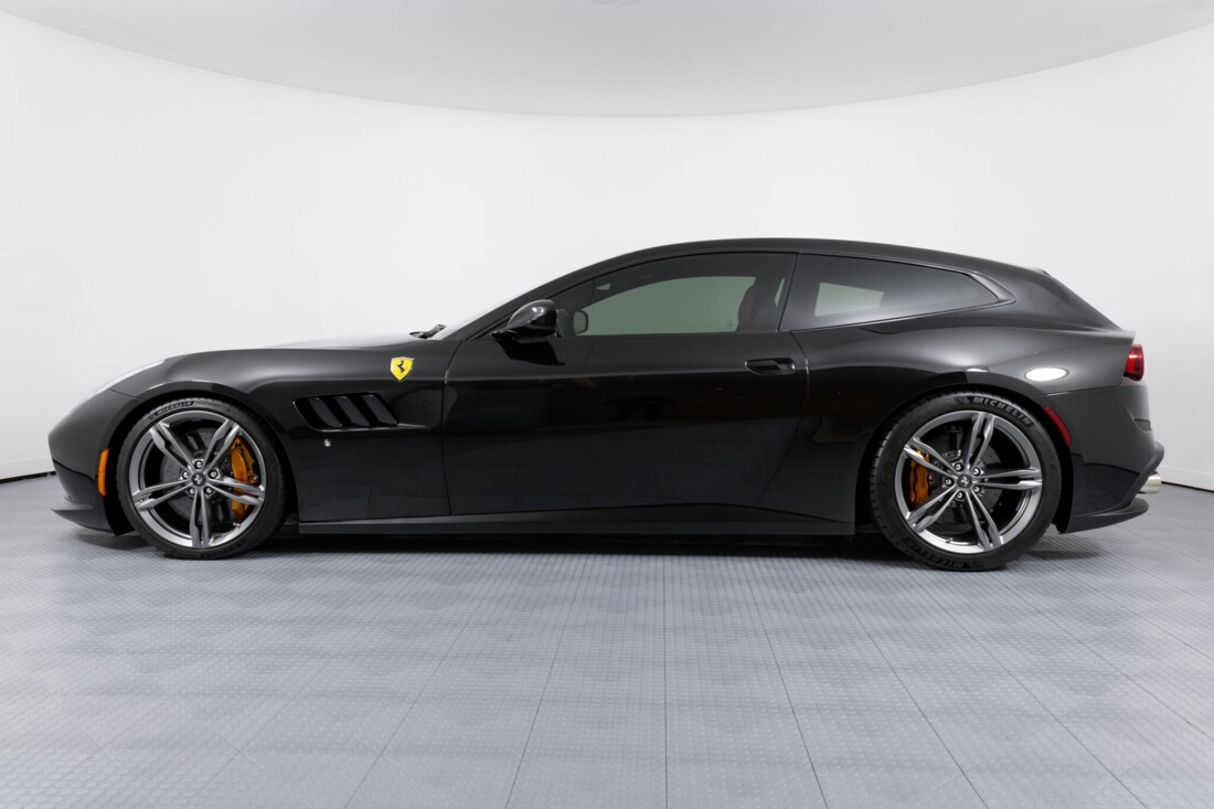 2018 Ferrari GTC4Lusso image _61540f2bc52fe8.12740096.jpg