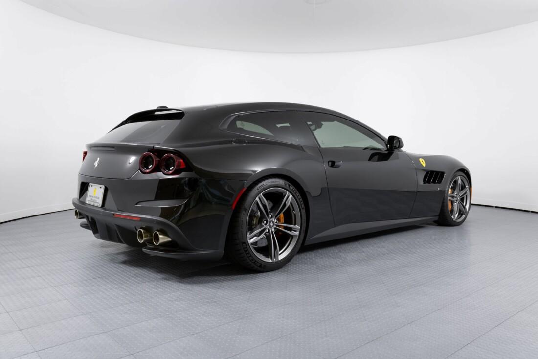 2018 Ferrari GTC4Lusso image _61540f38bdba74.17707944.jpg