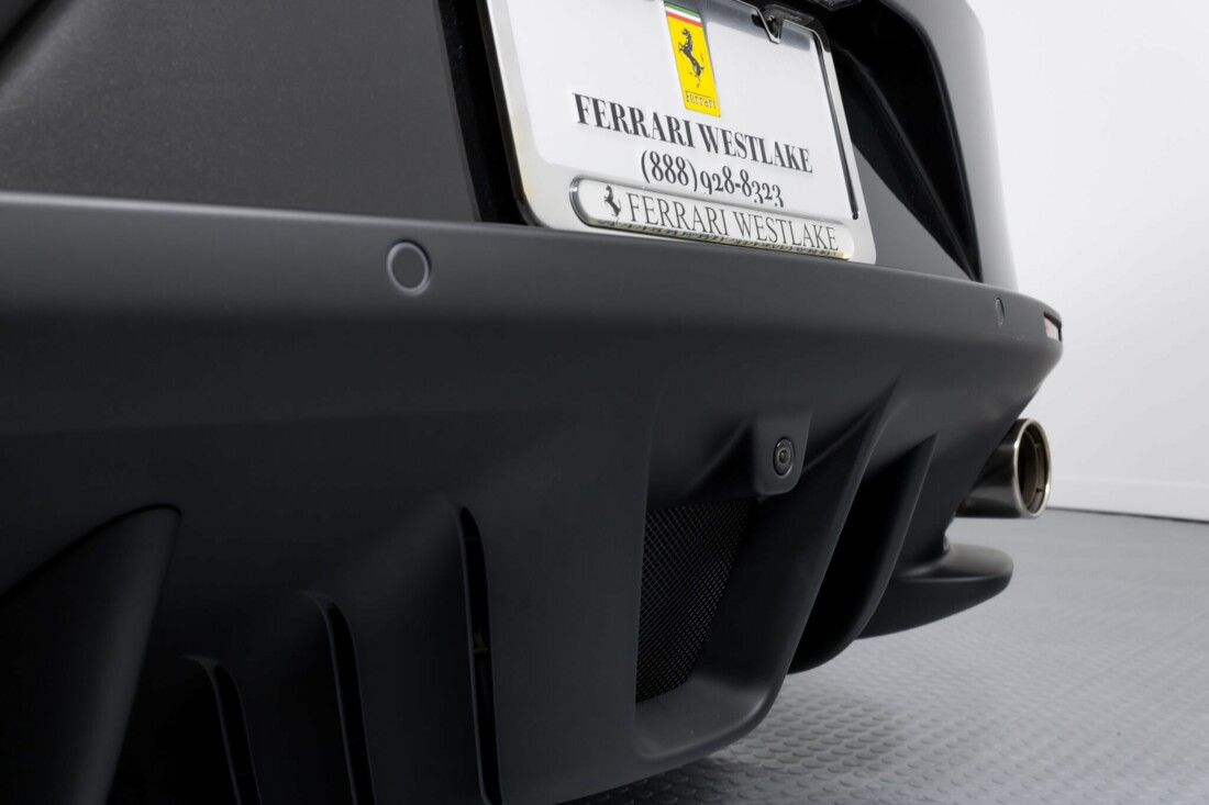 2018 Ferrari GTC4Lusso image _61540f5087f941.27361963.jpg