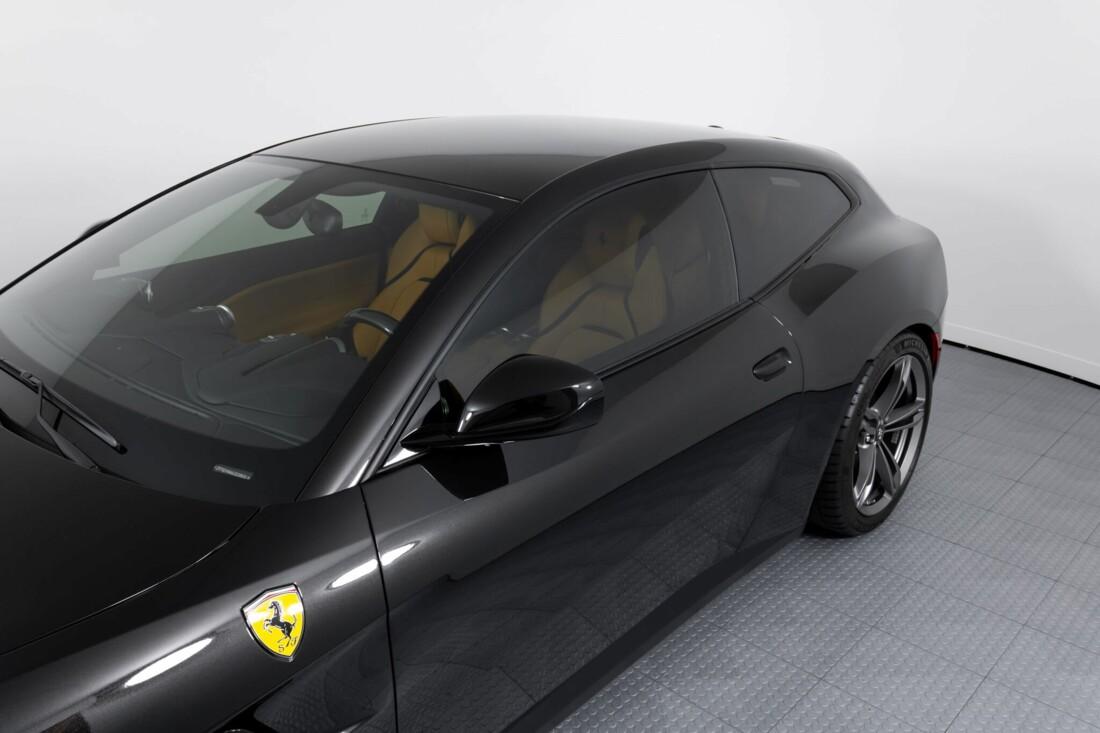 2018 Ferrari GTC4Lusso image _61540f56466679.09708941.jpg