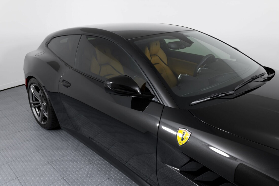 2018 Ferrari GTC4Lusso image _61540f5845cfb8.82575800.jpg