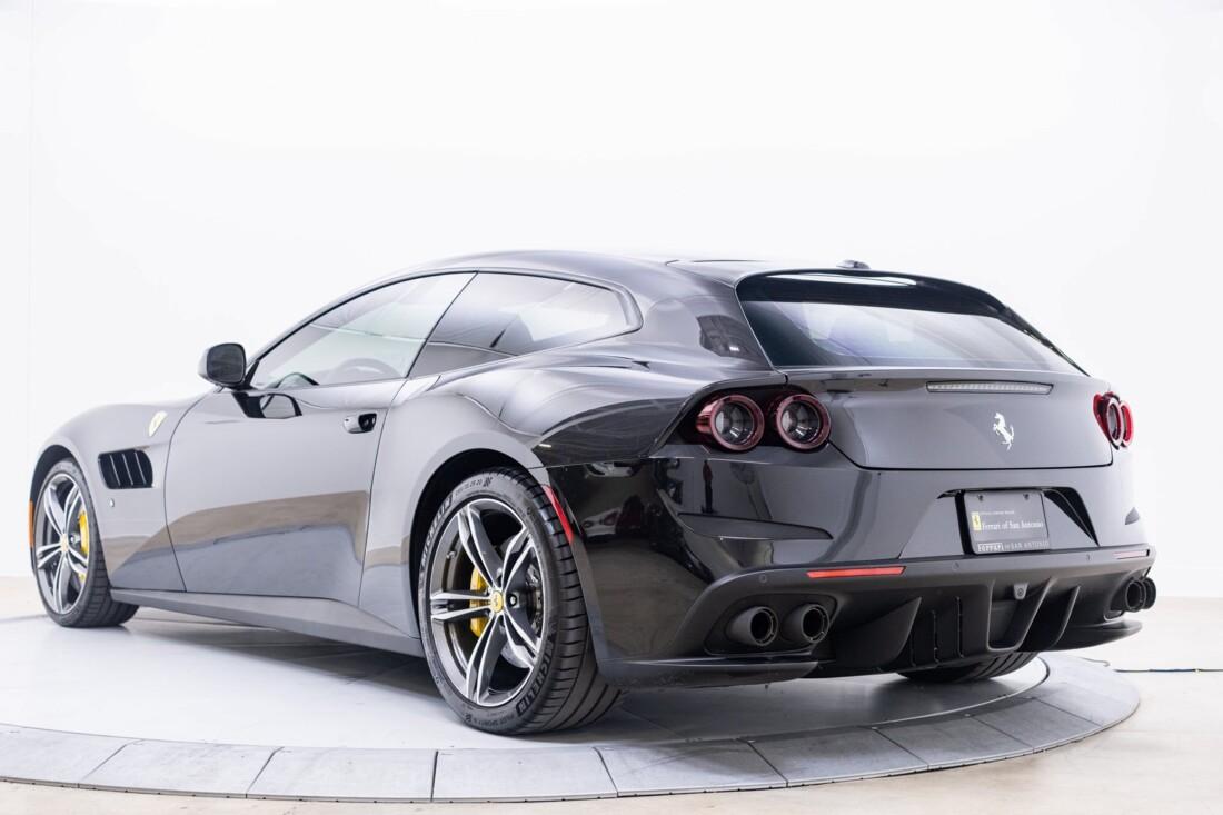 2018 Ferrari GTC4Lusso image _61540ff2a29cd6.51559839.jpg