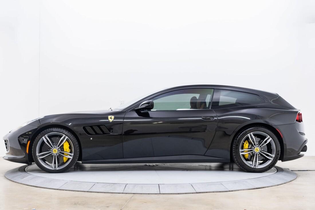 2018 Ferrari GTC4Lusso image _61540ff3542379.75624682.jpg