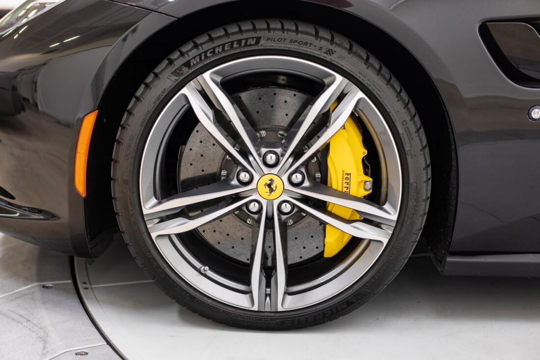 2018 Ferrari GTC4Lusso image _61541016cde997.87317135.jpg