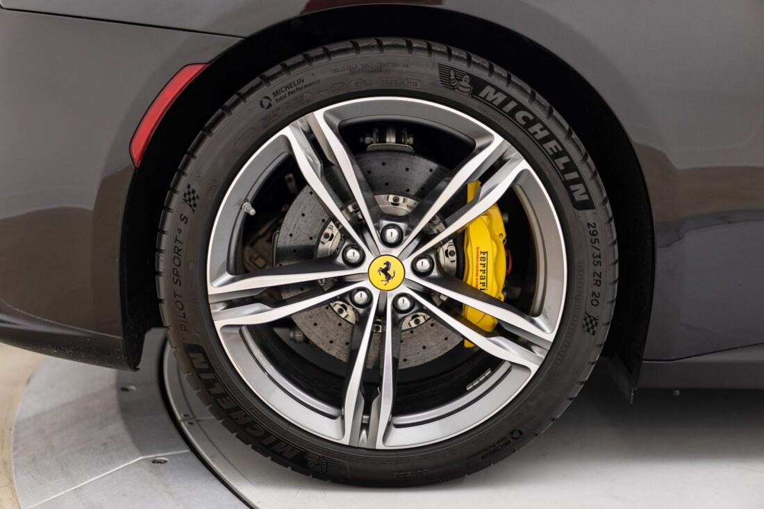 2018 Ferrari GTC4Lusso image _61541018840d93.62789529.jpg