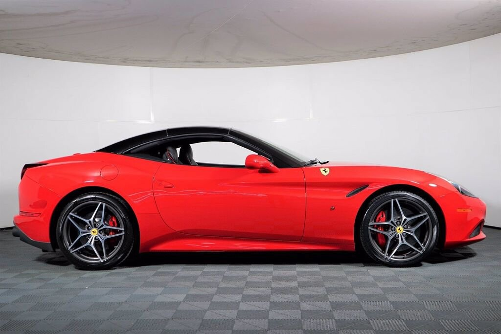 2016 Ferrari  California image _615410e05d0561.35203009.jpg