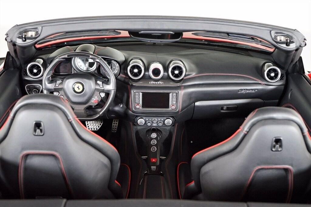 2016 Ferrari  California image _615410e9b0b448.06571195.jpg