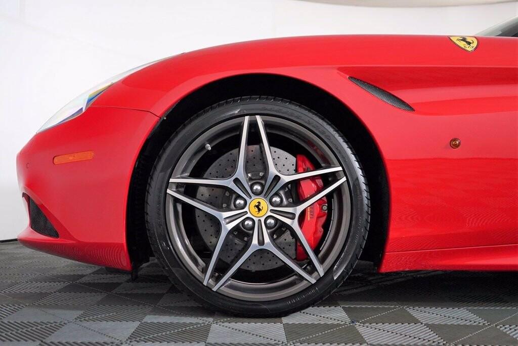 2016 Ferrari  California image _615410ecb3b5e0.04234372.jpg
