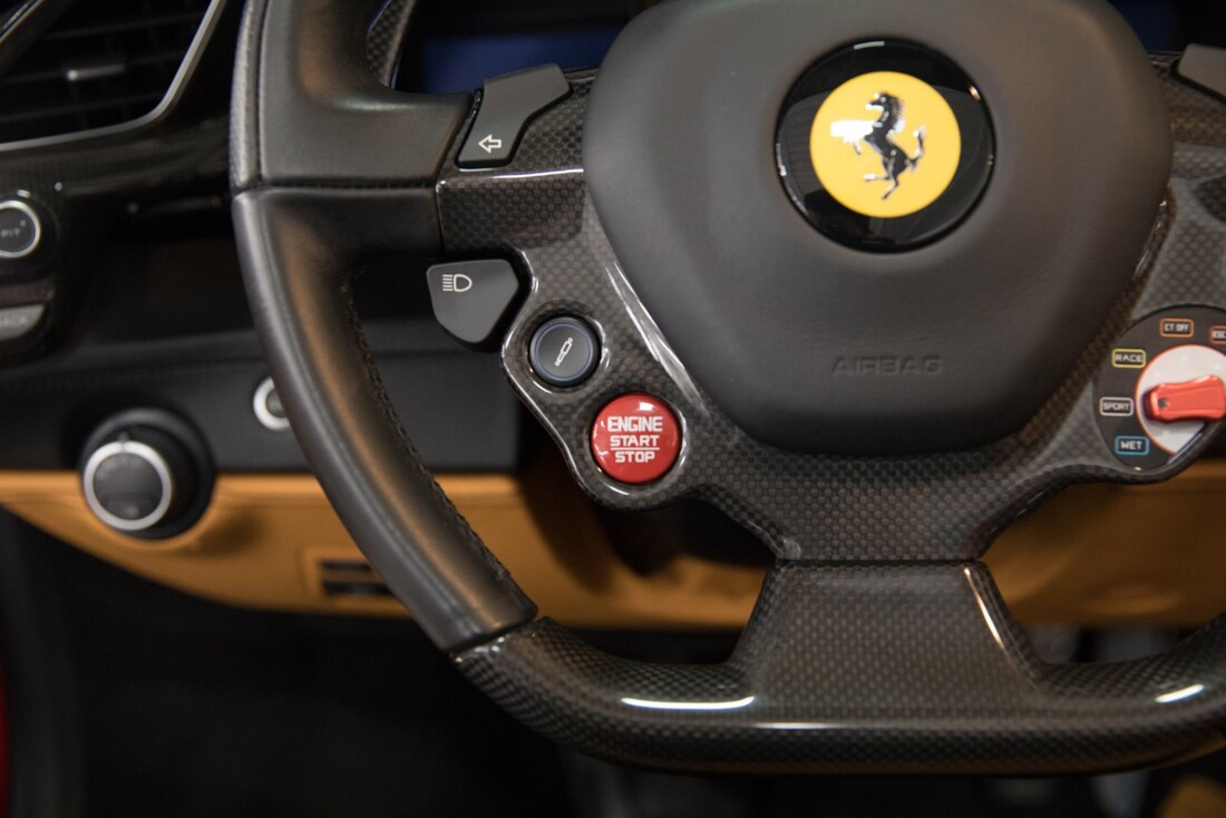 2016 Ferrari 488 Spider image _61556085424b13.98173928.jpg