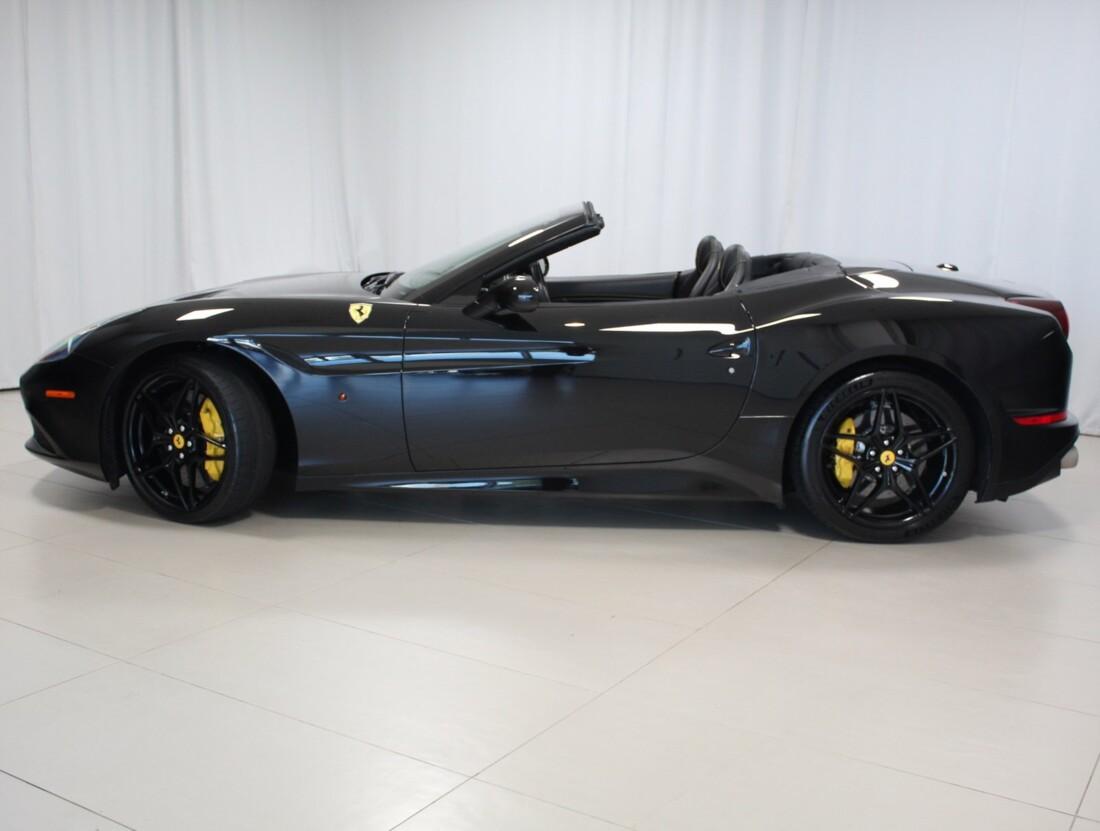 2015 Ferrari  California image _615560c8543b72.26724167.jpg