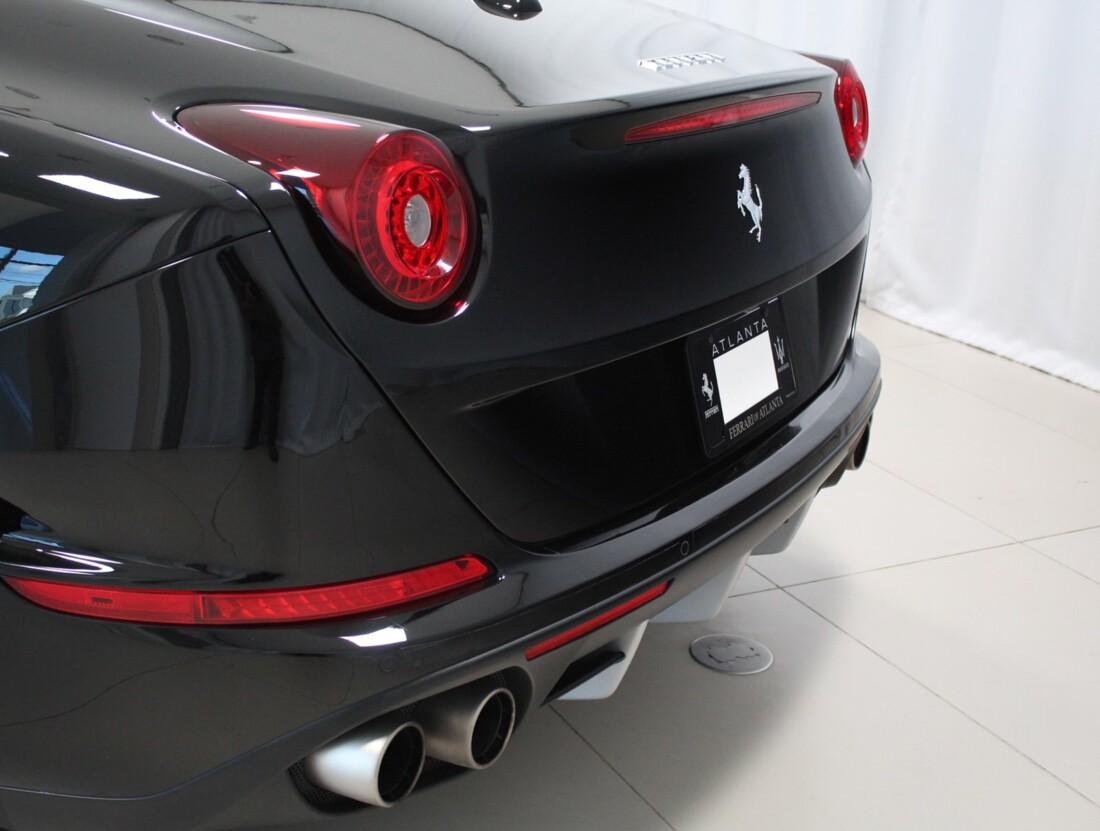 2015 Ferrari  California image _615560cc5f3027.70010857.jpg