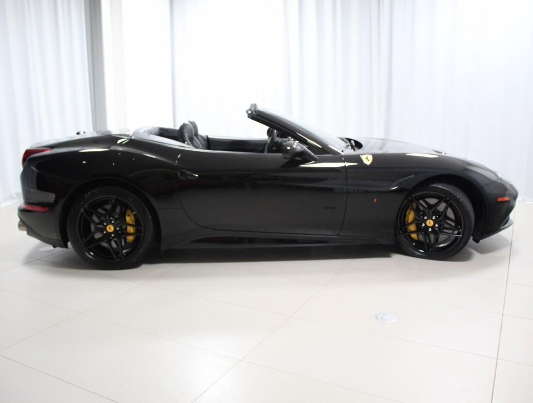 2015 Ferrari  California image _615560cf757516.19000487.jpg