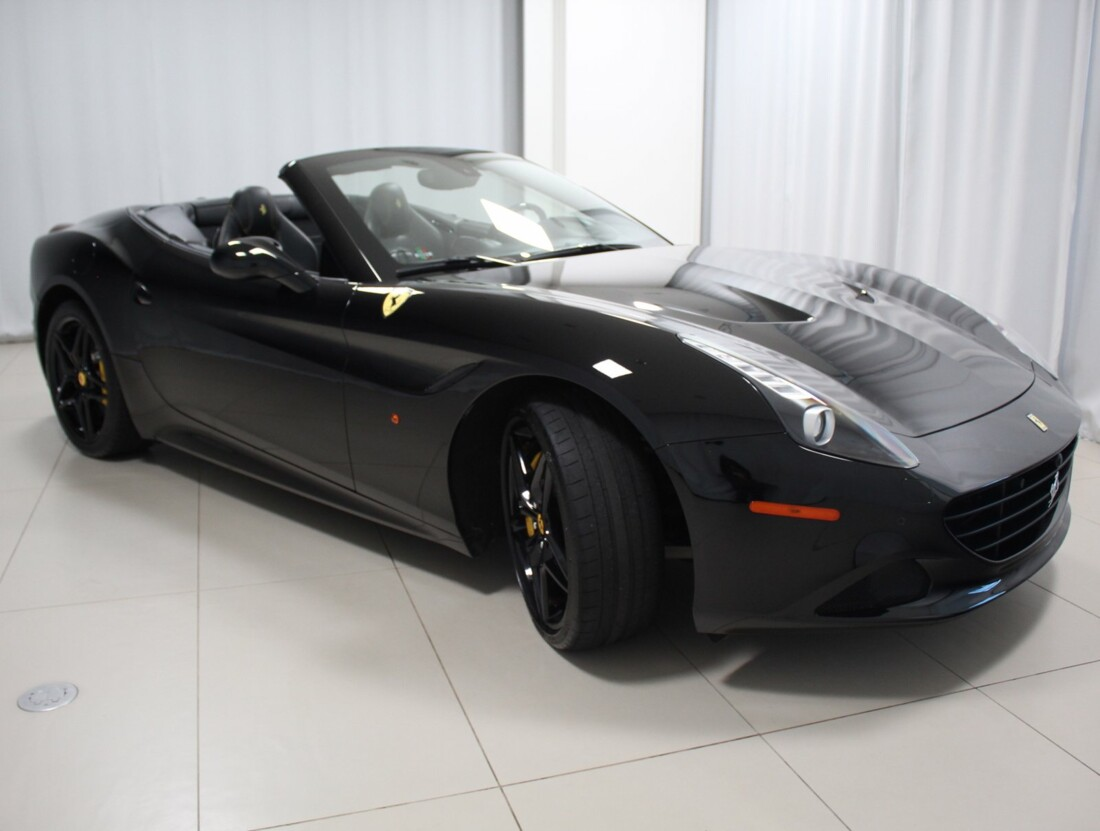 2015 Ferrari  California image _615560d04a24d9.62356609.jpg