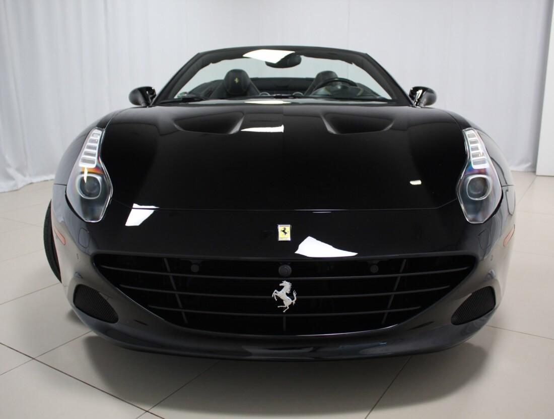 2015 Ferrari  California image _615560d4334d66.90017776.jpg