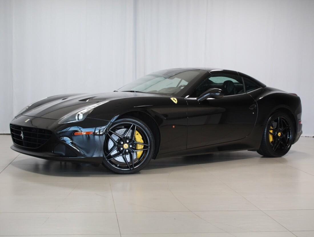 2015 Ferrari  California image _615560f9e677c0.94103515.jpg